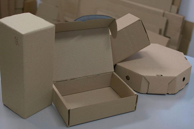 Caixa papelão corte vinco