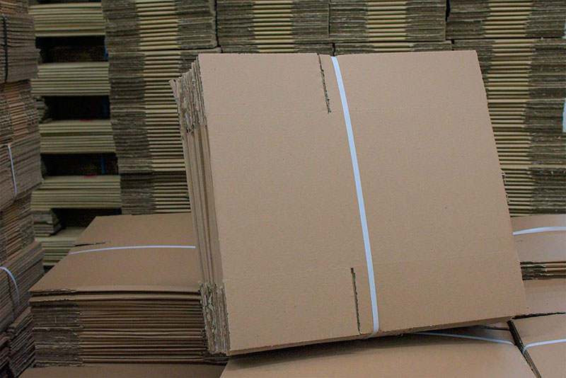 Caixa de papelão lisa